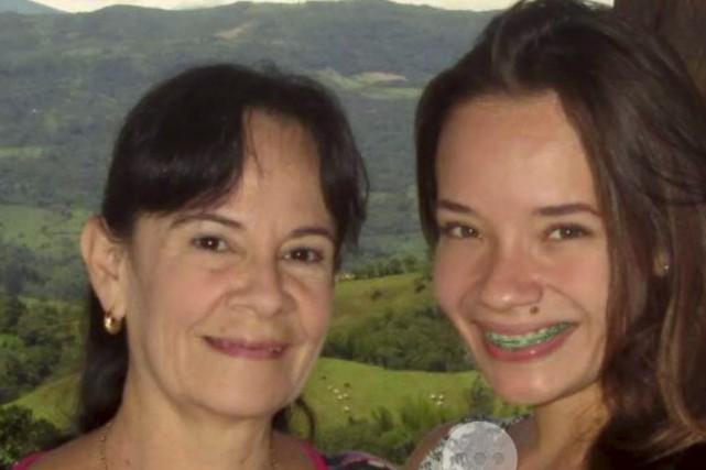 Natalia Jiménez Amaya, à droite, photographiée en compagnie... (Photo fournie)