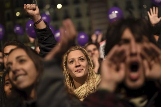 Les électeurs attendent les résultats des élections.36 millions... (Agence France-Presse)