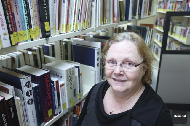 Louise Perron, responsable de la bibliothèque de Bonsecours,... (Catherine Trudeau, La Voix de l'Est)