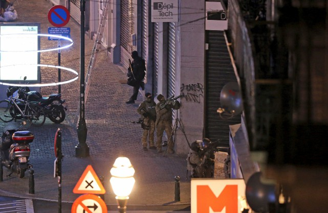 Deux frères ont été interpellés dimanche soir lors... (AFP)