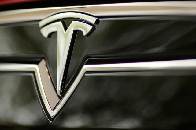 Les chiffres de livraison de Tesla sont très... (PHOTO ROBERT GALBRAITH, ARCHIVES REUTERS)