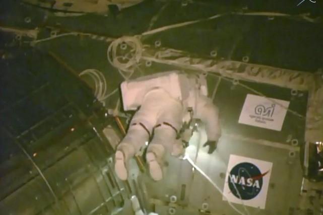 L'astronaute Scott Kellylors d'une sortie dans l'espace.... (PHOTO AFP/NASA)