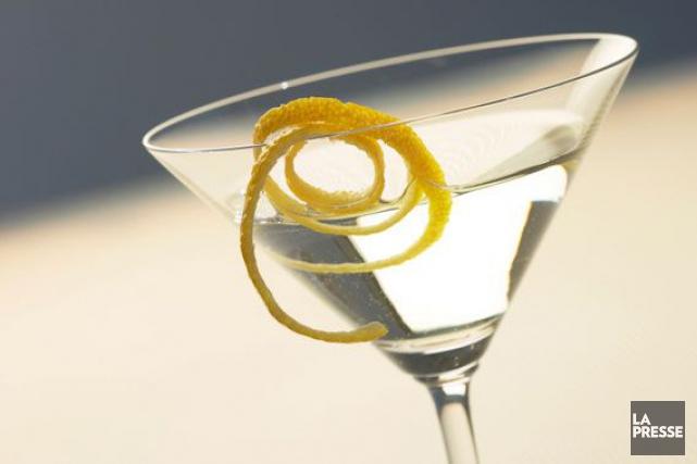 Vous avez tout ce qu'il faut sous la main pour préparer une vodka martini. Mais... (Photo Archives La Presse)