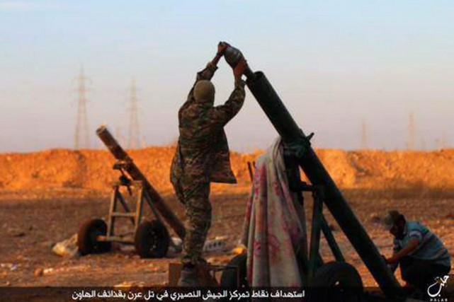 Le groupe djihadiste État islamique (EI) a perdu mois après mois le contrôle de... (PHOTO D'ARCHIVES, AP)