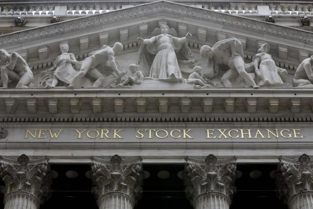 Wall Street a monté hier à l'issue d'une séance qui a vu le marché peiner à... (PHOTO RICHARD DREW, ARCHIVES ASSOCIATED PRESS)