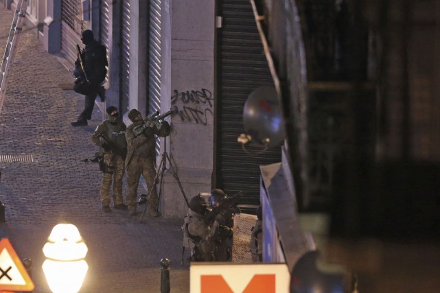 Ni arme, ni explosifs, n'ont été retrouvés lors... (Agence France-Presse)