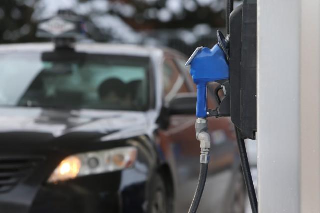 L'essence se vendait cette semaine autour de 1,10$... (PHOTO MARTIN CHAMBERLAND, ARCHIVES LA PRESSE)