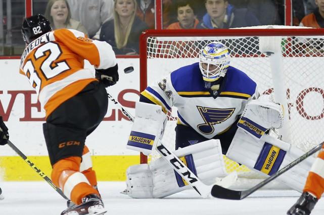 Evgeny Medvedev a marqué d'un tir des poignets avec 3:13 à faire et les Flyers... (PHOTO AP)