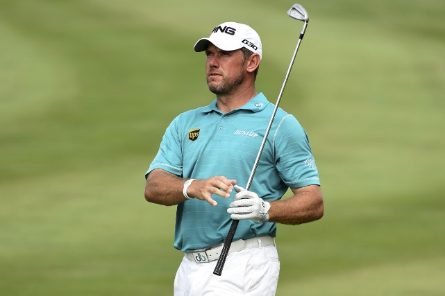 La solide prestation du golfeur anglais Lee Westwood... (AFP, Paul Lakatos)