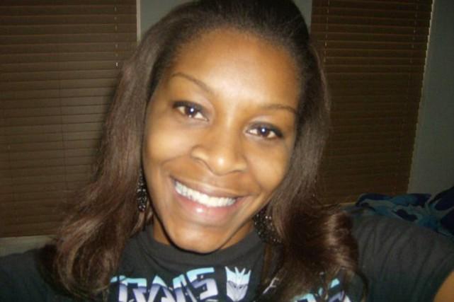 Sandra Bland... (PHOTO FOURNIE PAR LA FAMILLE BLAND/AP)