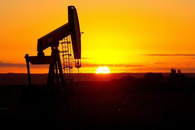 Le cours du baril de «light sweet crude»... (PHOTO ARCHIVES AFP)