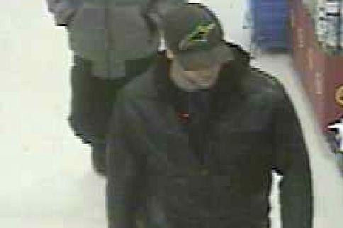 Le Service de police de Sherbrooke (SPS) fait circuler les photos de voleurs... (Photo fournie par le SPS)
