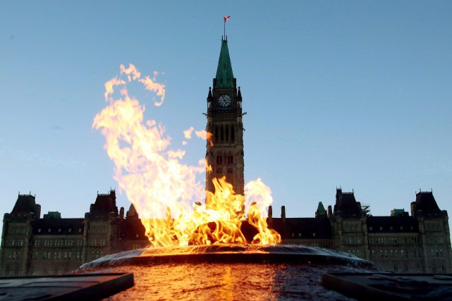 Les dépenses des programmes pour le mois d'octobre... (PHOTO ARCHIVES LA PRESSE CANADIENNE)