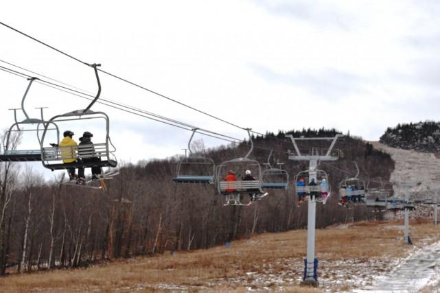 Comme prévu, le centre de ski du mont Orford a lancé sa saison de glisse, mais... (Photo tirée de Facebook)