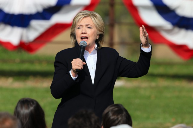 Hillary Clinton propose d'augmenter le budget public de... (PHOTO NATI HARNIK, ARCHIVES AP)