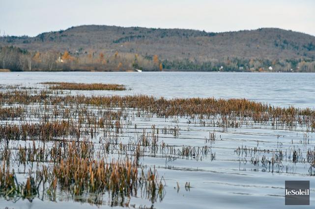 Le lac Saint-Charles... (Le Soleil, Yan Doublet)