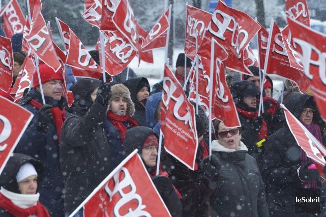 Le mandat de grève du SPGQ sera en... (Archives, Le Soleil)