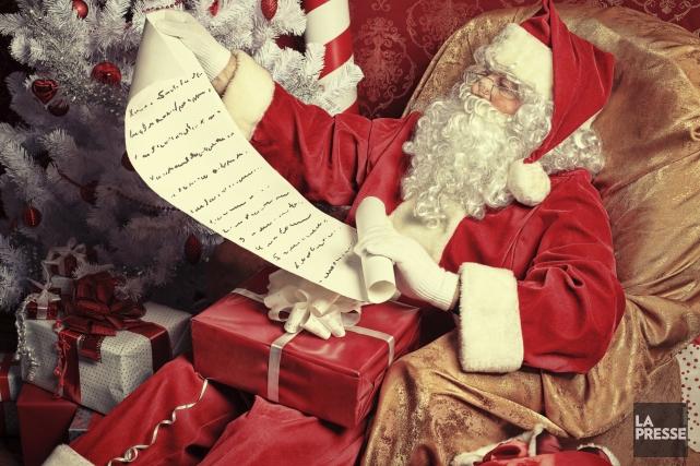 Le Père Noël ouvrira jeudi son secrétariat, qui comptera une soixantaine de... (PHOTO ARCHIVES LA PRESSE)