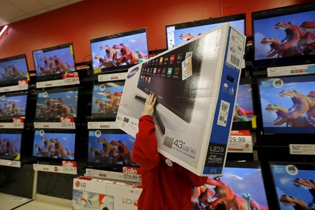 Le moral des ménages aux États-Unis a progressé en décembre par rapport à... (PHOTO ARCHIVES REUTERS)