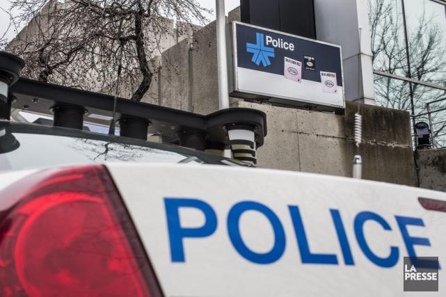 Le client d'un dépanneur de Montréal-Nord a été violemment battu mercredi soir... (PHOTO OLIVIER PONTBRIAND, LA PRESSE)
