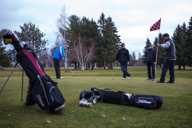 Ne remisez pas vos sacs de golf tout... (Photo: Olivier Croteau)