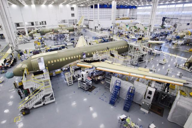 Les nouvelles commandes fermes pour l'avion commercial CSeries... (La Presse Canadienne)