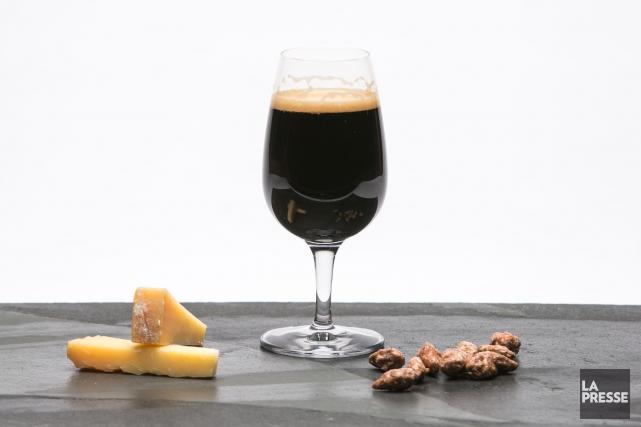La Rassembleuse est une bière de type brown... (Archives, La Presse)