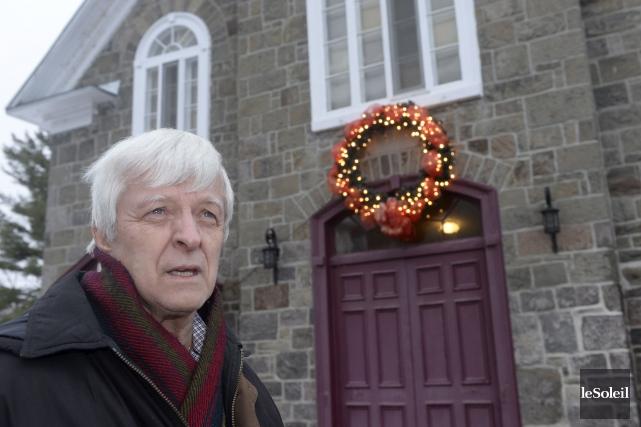 Jeudi, le curé Donald Cliche célébrera trois messes... (Le Soleil, Jean-Marie Villeneuve)