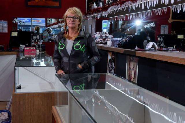 La propriétaire de la bijouterie Donatien Dugré, Joanne... (François Gervais)