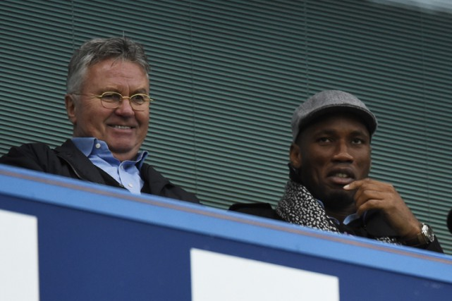 Guus Hiddink et Didier Drogba... (PHOTO REUTERS)