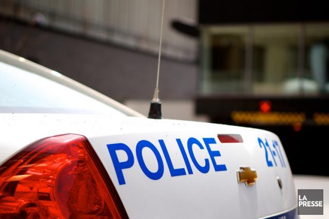 Le Comité de déontologie policière a imposé une suspension de deux jours à deux... (PHOTO SARAH MONGEAU-BIRKETT, ARCHIVES LA PRESSE)