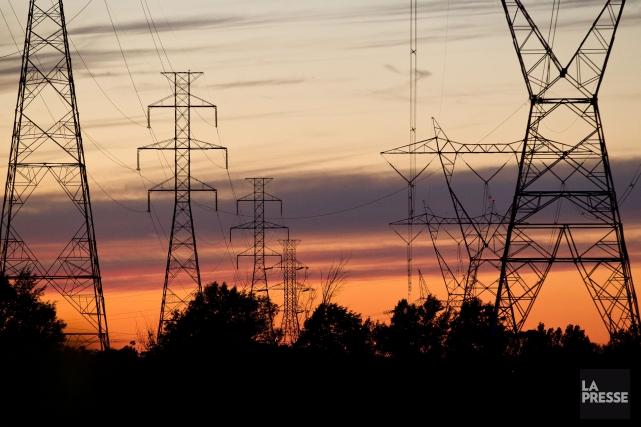 Plus de 37 000 abonnés d'Hydro-Québec étaient privés d'électricité en début de... (PHOTO D'ARCHIVES)