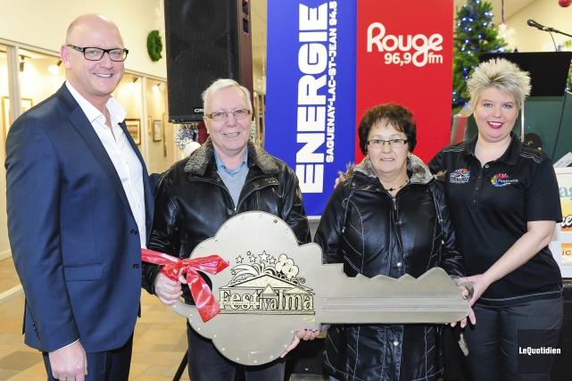 Patrice Lapointe, président Festivalma, Serge Bouchard et Ginette... (Photo Le Quotidien, Gimmy Desbiens)