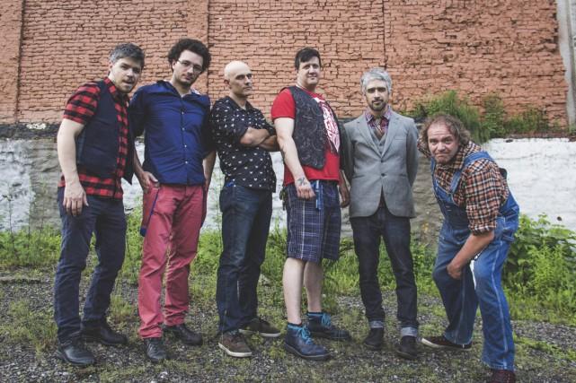 Les membres du groupe punk-trad Carotté: Simon Lavallée,... (Photo Jo-Anick Lafrance-Bolduc, fournie par le groupe)