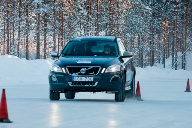 Conduire l'hiver pourrait devenir plus prévisible si Bridgestone... (PHOTO FOURNIE PAR BRIDGESTONE)