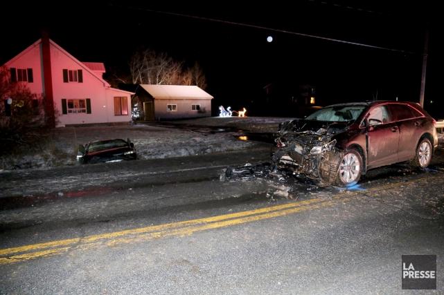 On craint pour la vie d'une jeune femme de Dunham impliquée dans une collision,... (Julie Catudal)