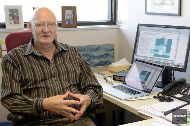 Claude Villeneuve, directeur de la Chaire en écoconseil... (Archives Le Quotidien, Jeannot Lévesque)