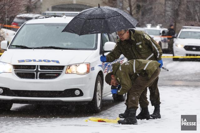 Les policiers de la Sûreté du Québec tentaient... (Collaboration spéciale Ulysse Lemerise)