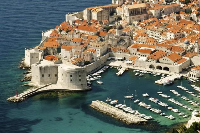 À Dubrovnik, prenez le temps de flâner dans... (PHOTO THINKSTOCK)
