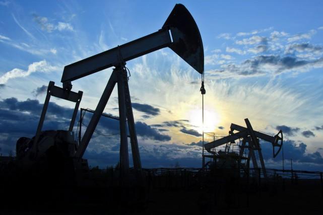Les cours du pétrole ont terminé en forte... (123RF/Evgenii Bashta)