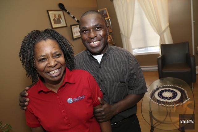 Josiana Mukabukeye et Simon Ntibaziyaremye ont fui le... (Janick Marois, La Voix de l'Est)