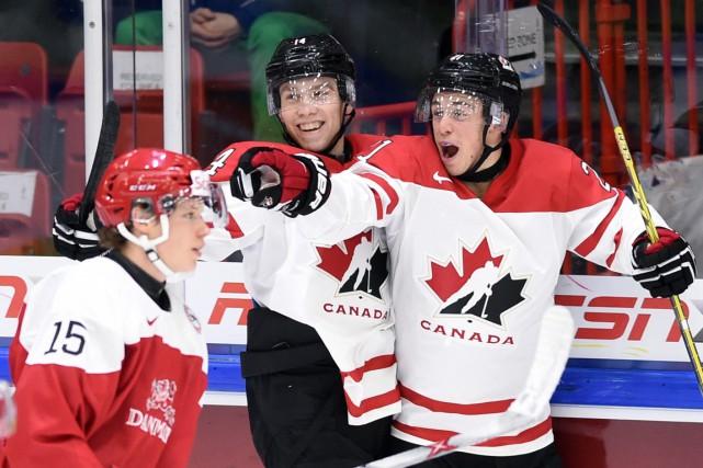 Anthony Beauvillier (à droite) a été le premier... (La Presse Canadienne)