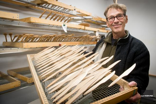 Pierre Simard, propriétaire des ateliers Justenbois : «... (Archives La Tribune)