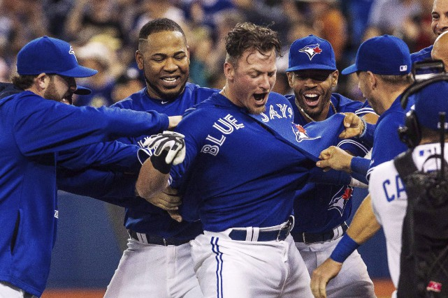 L'arrivée du joueur par excellence Josh Donaldson (centre)... (Photo Archives La Presse Canadienne)