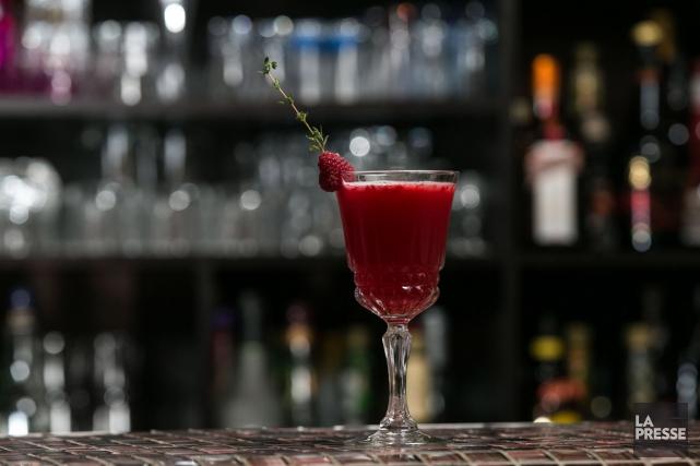 Sortez le shaker! Quatre mixologues vous proposent des cocktails... (Photo Hugo-Sébastien Aubert, La Presse)
