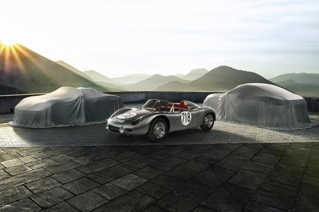 La Porsche 718 originale entourée des 718 Boxster... (Photo fournie par Porsche)
