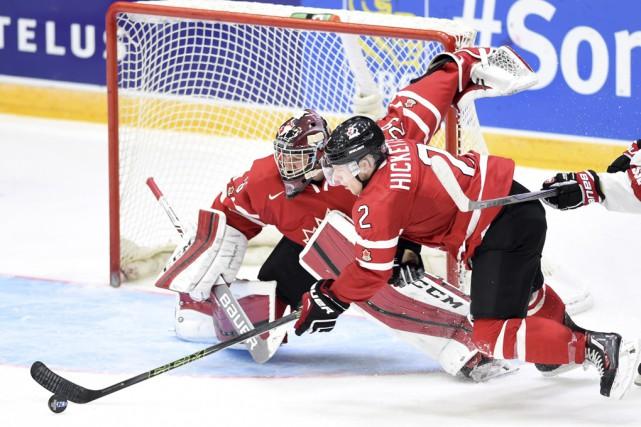 Plusieurs joueurs canadiens ont confié que Joe Hicketts... (Sean Kilpatrick, La Presse Canadienne)