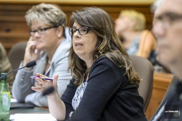 La conseillère du district du Pin-Solitaire Hélène Dauphinais... (La Tribune, archives)