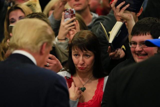 Trump rencontre des sympathisants en Iowa.... (Photo AP)