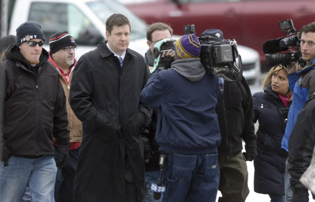 Le policier Jason Van Dyke a plaidé non... (Brian Jackson, Associated Press)